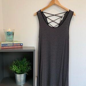 Dresses & Skirts - B&W striped summer dress